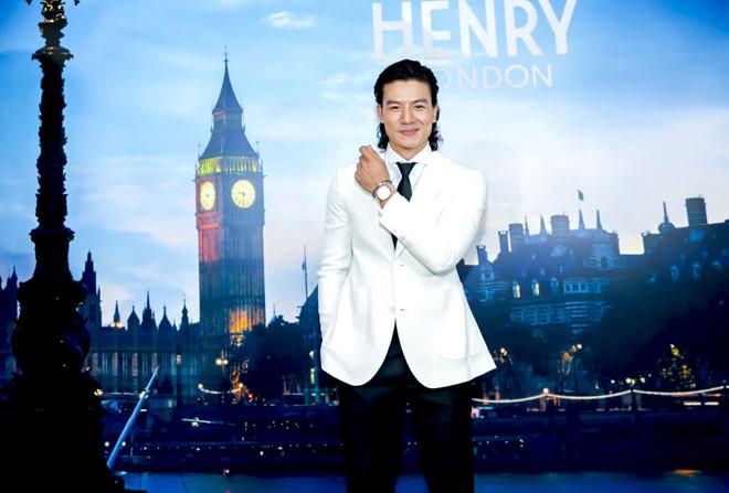 đồng hồ Henry London.