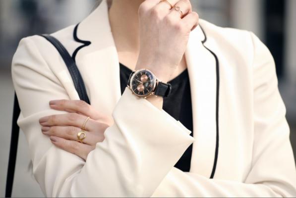 Đồng hồ đeo tay nữ phong cách