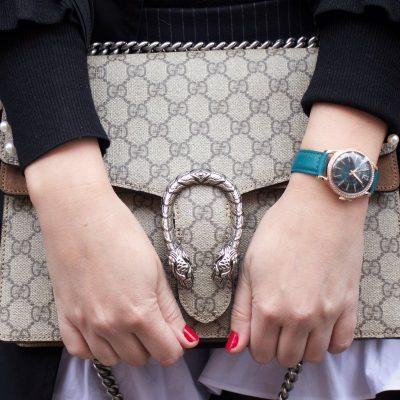 Giá của đồng hồ đeo tay nữ