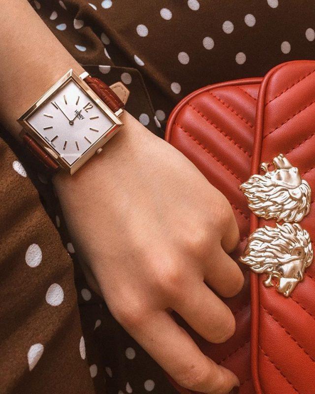 đồng hồ đeo tay nữ le chateau