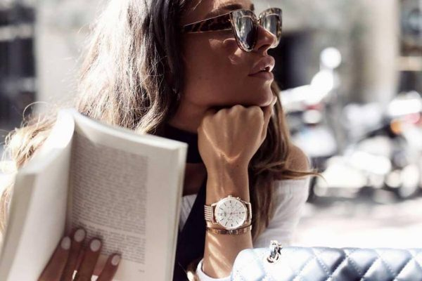 Đồng hồ đeo tay nữ Swacht