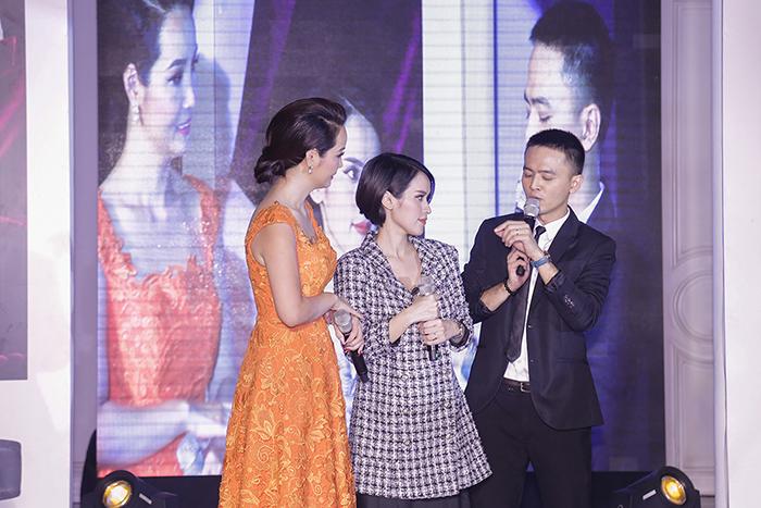 Mai Thu Huyền trổ tài MC khai trương thương hiệu Henry London tại Việt Nam