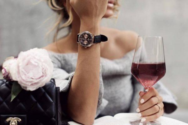 đồng hồ đeo tay nữ ở Vinh