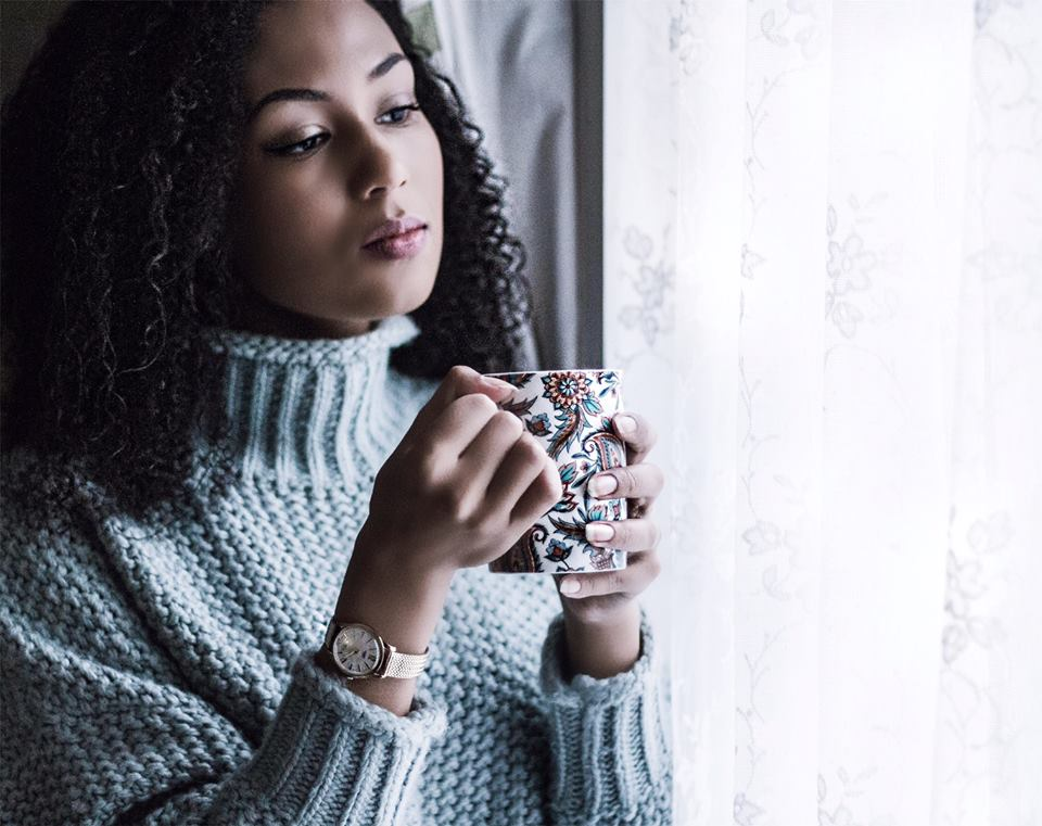 Đồng hồ đeo tay nữ én bạc