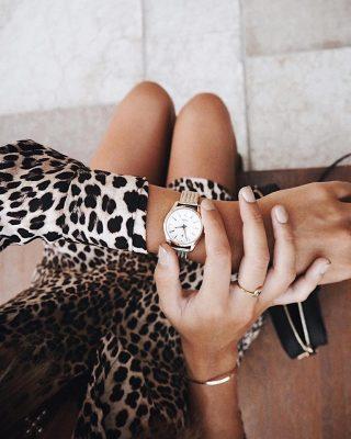 đồng hồ đeo tay nữ quartz